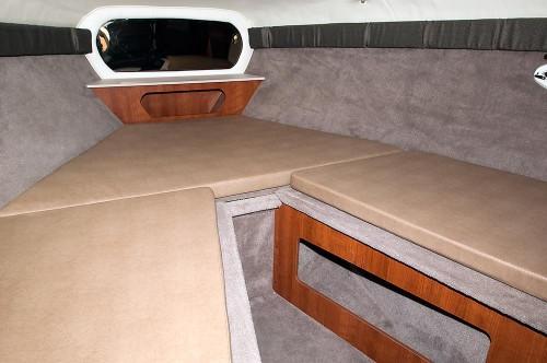 250cr_cabin_less_cushions