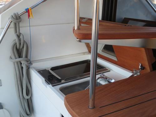 MC47FLY-kupit-yachtu-spb-05