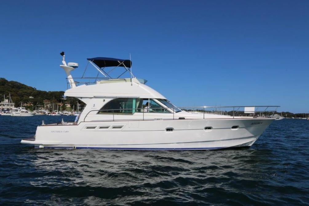 Купить яхту Beneteau Antares 13.80