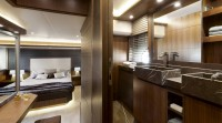 mcy_65_owners_cabin_en_suite_bathroom_01_0