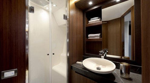 mcy_65_vip_cabin_en_suite_bathroom